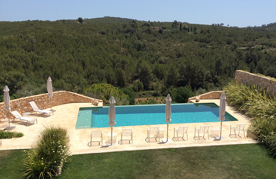 La Casa de Piedra is an old catalan cottage renewed as a Guest House in the Garraf Natural Park, close to Sitges